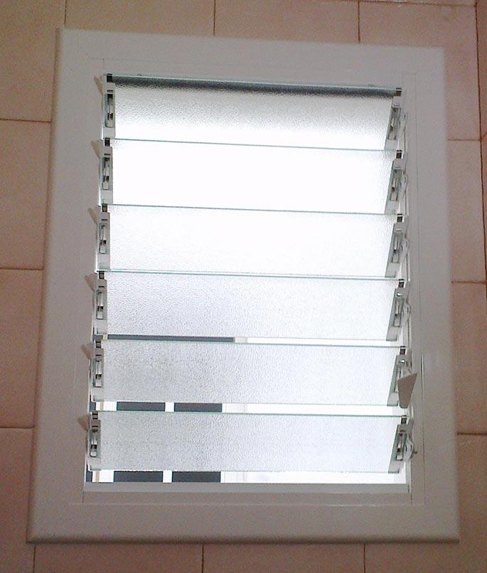 Aluminios garcilaso productos ventana de aluminio - Celosia de aluminio ...
